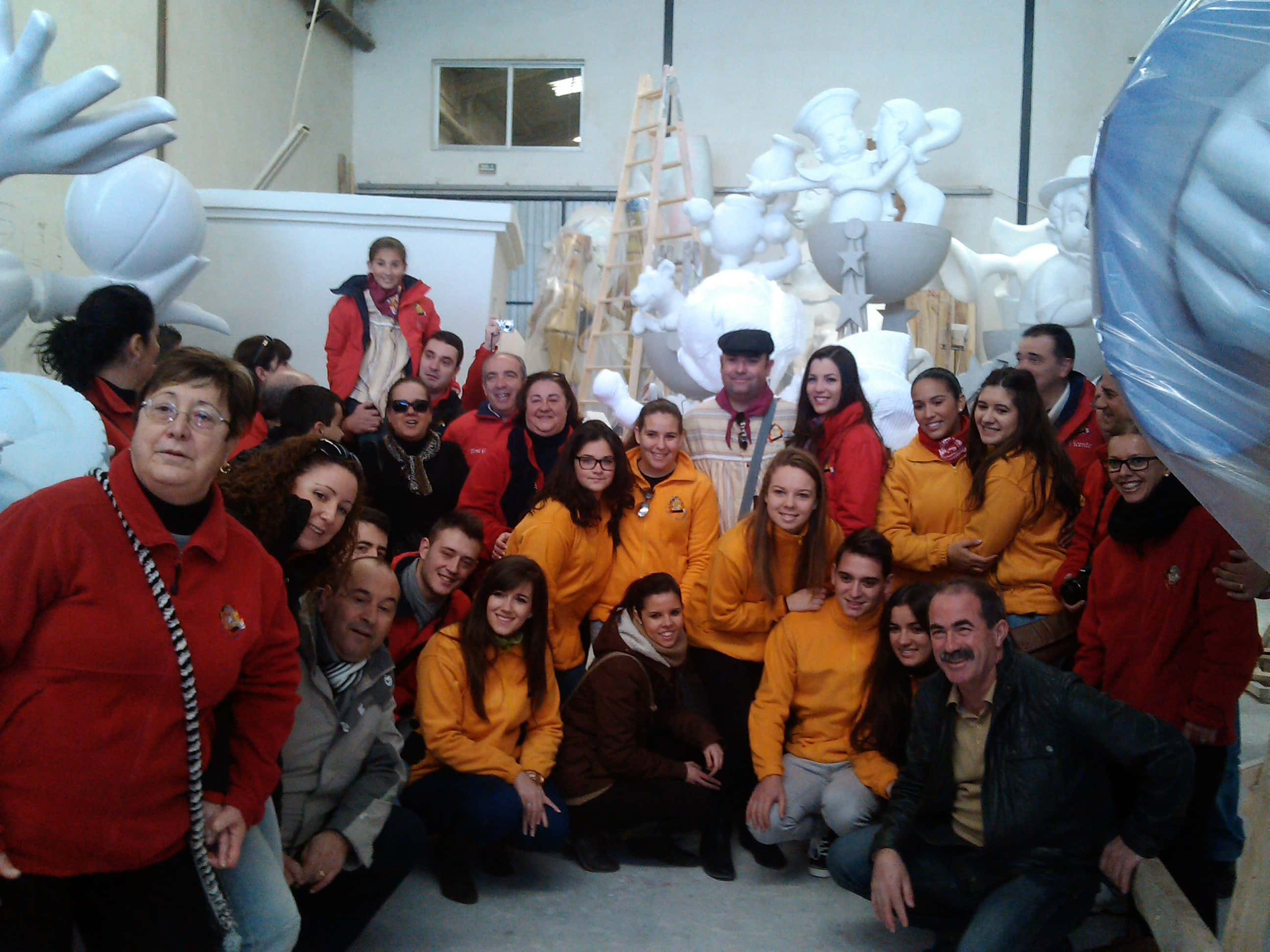 The Falla career Målilla visited its Fallas artist's workshop