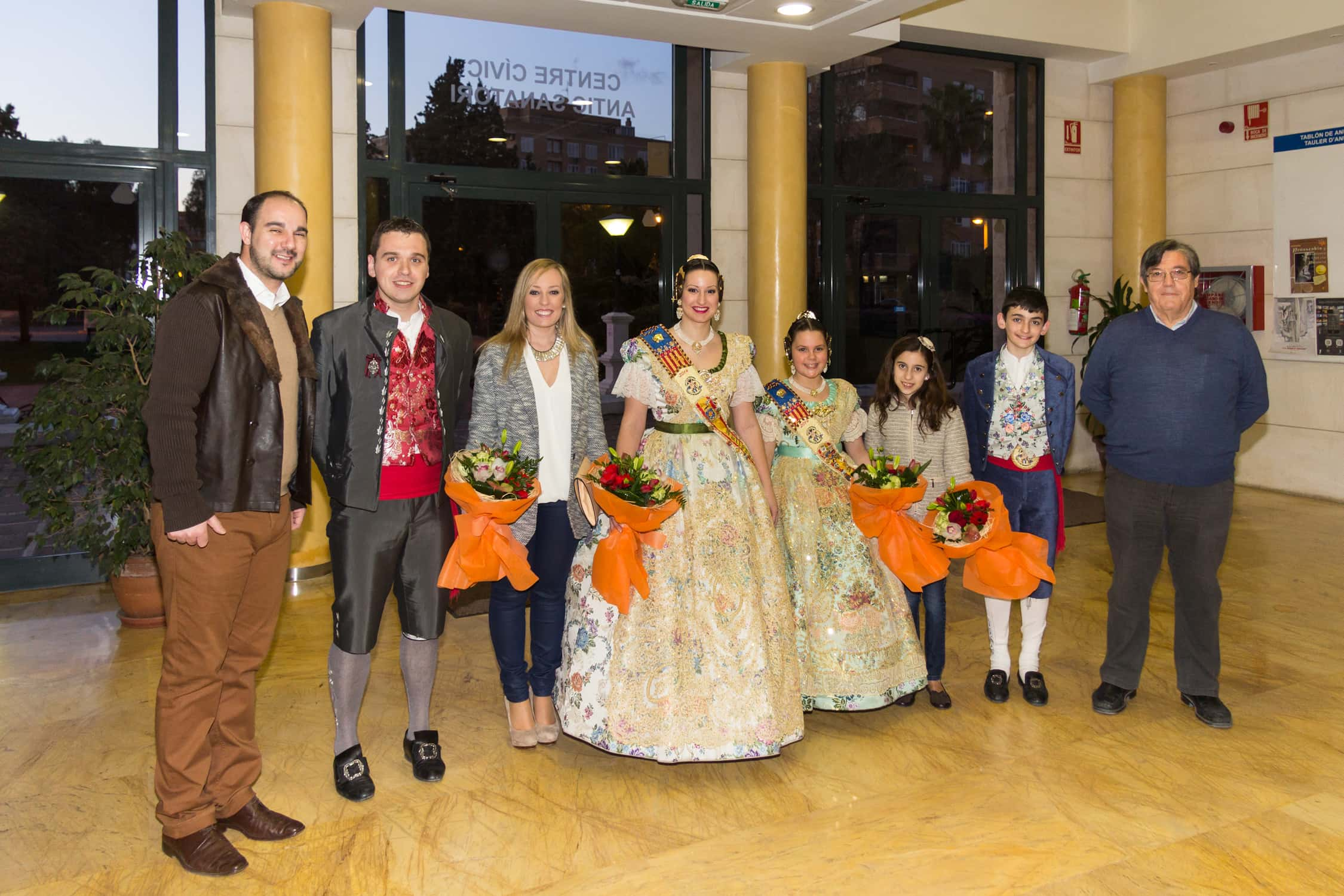 La Victoria Falla presents its Llibret with an emotional tribute to the Fallas Miguel Angel joy