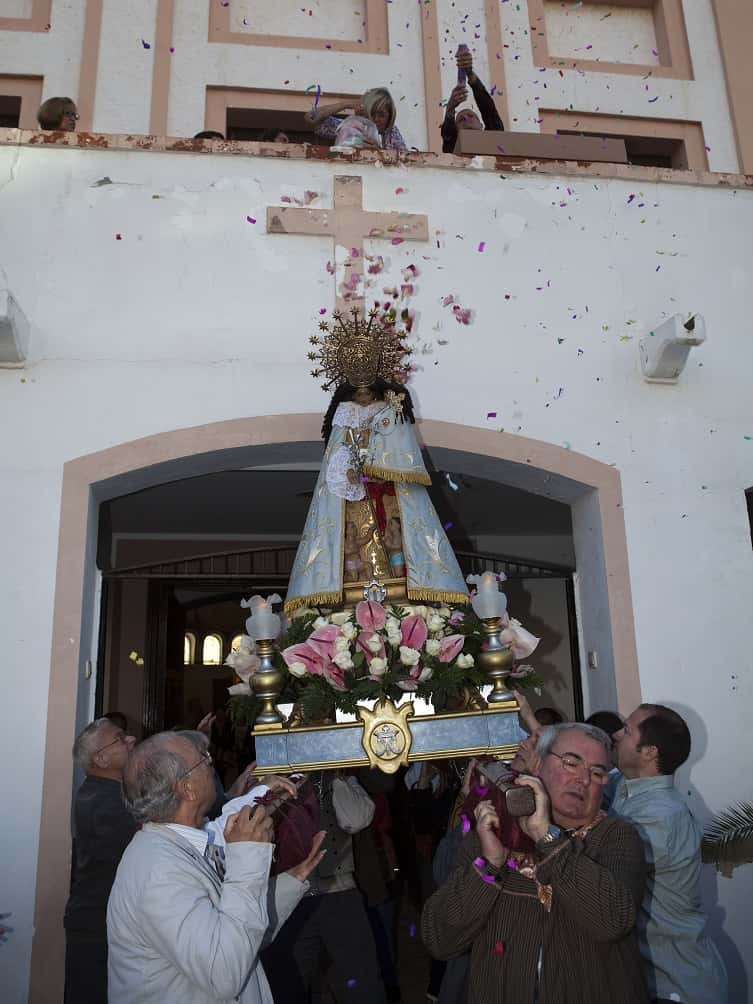 Procession in honor to the Virgin of the Forsaken Malvarrosa Falla
