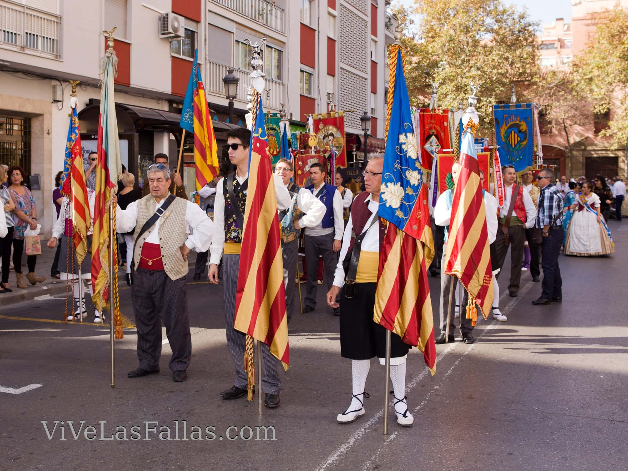Tribute to our flag of the grouping of Fallas of maritime 2