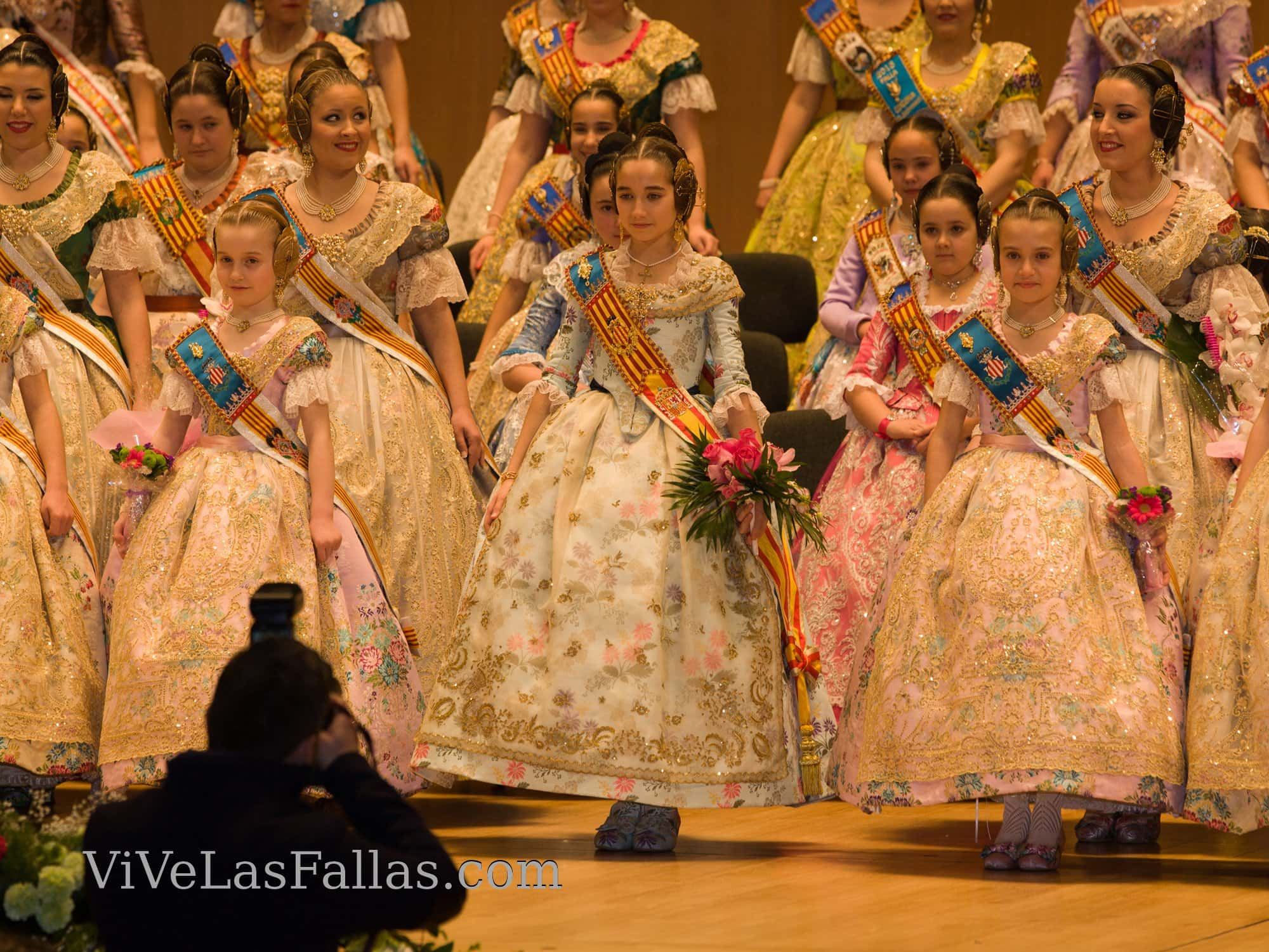 Exaltation of the biggest fallers of the grouping of Fallas of the maritime