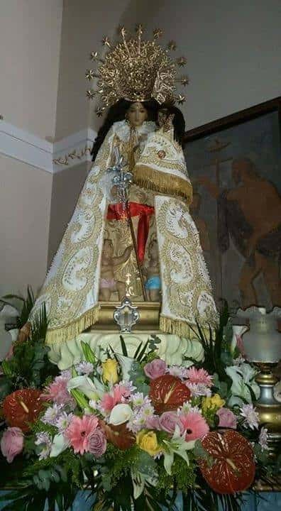 Virgen de los Desamparados by the Malvarrosa neighbourhood procession