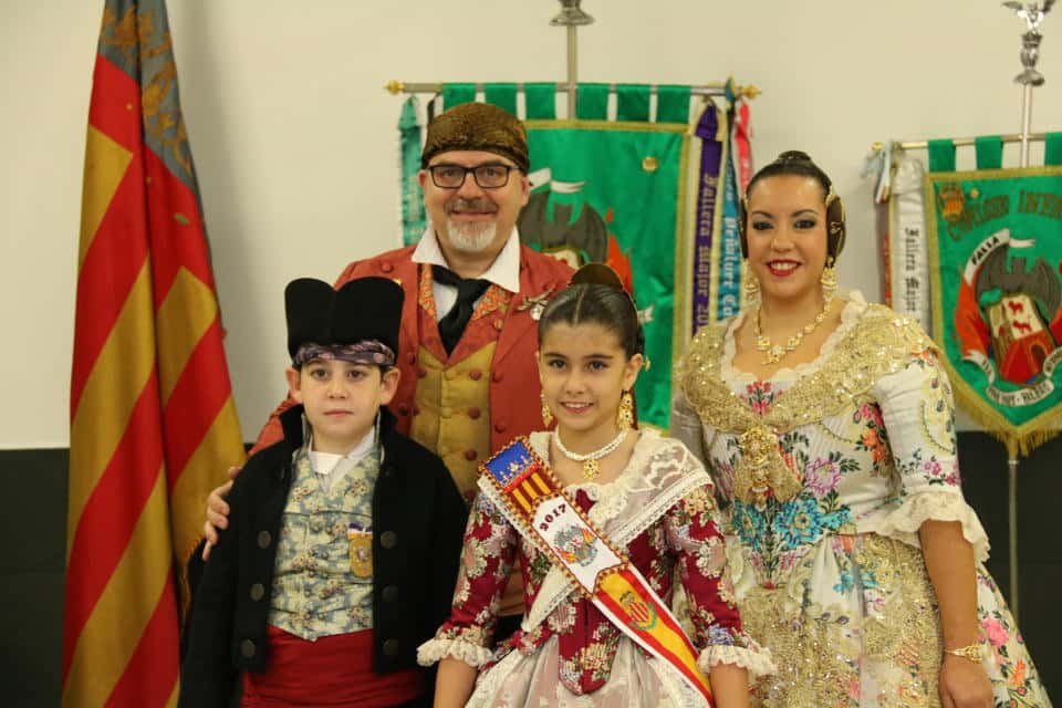 The Falla Fra Pere Vives-Bilbao-Maximilia Thous inaugurates its new Casal 2