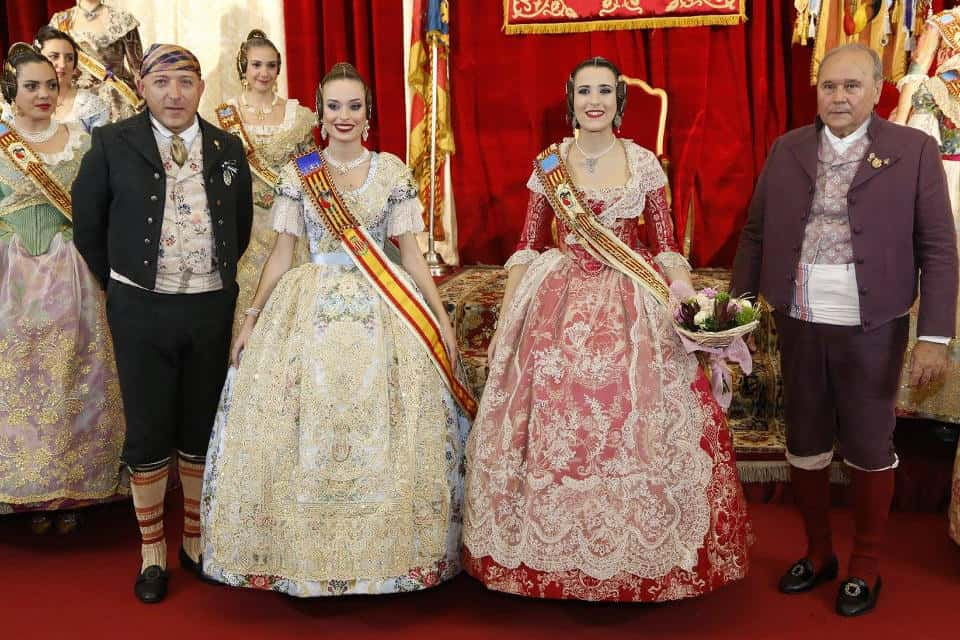 The Falla San Vicente-Periodista Azzati celebrates the exaltation of its Falleras Mayores 2017