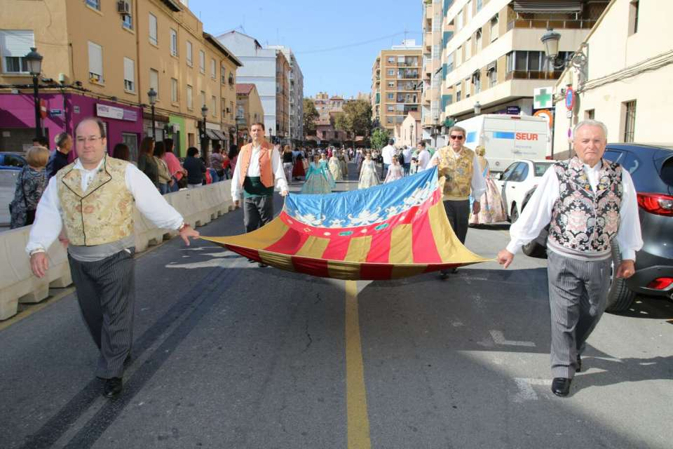 The Grouping of Fallas of the Maritime paid Tribute to the Royal Senyera 3