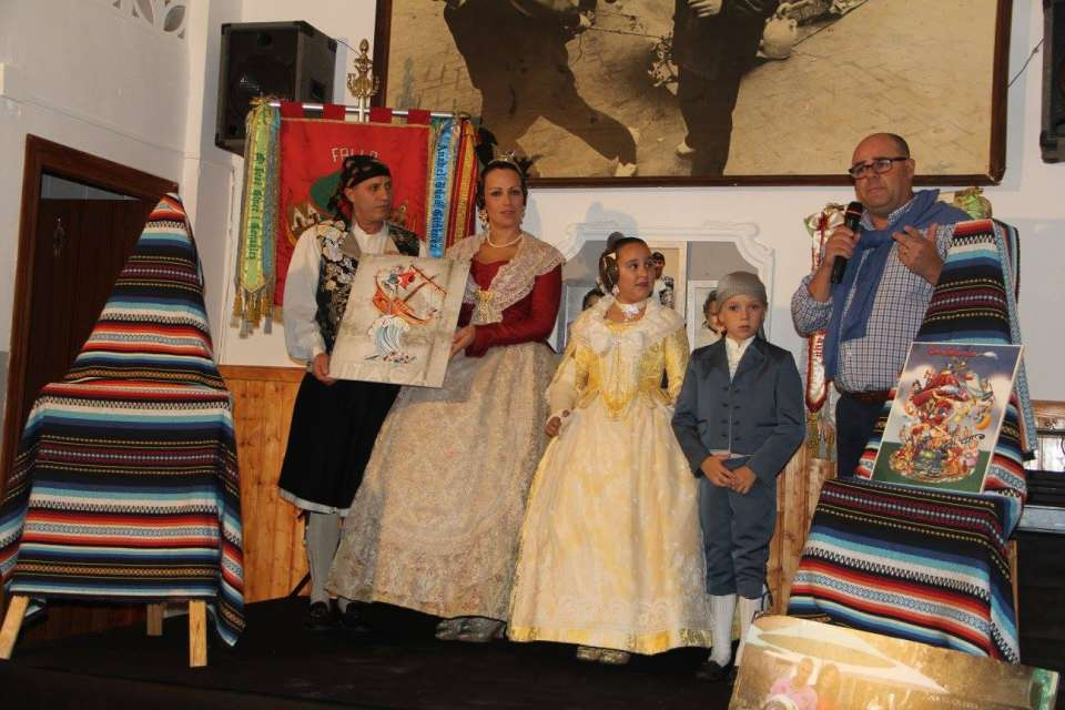 The Falla Plaza of the Tree presented their Sketches to the Fallas 2018 2