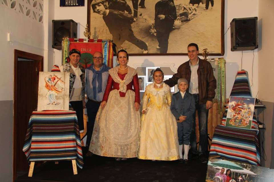 The Falla Plaza of the Tree presented their Sketches to the Fallas 2018 3