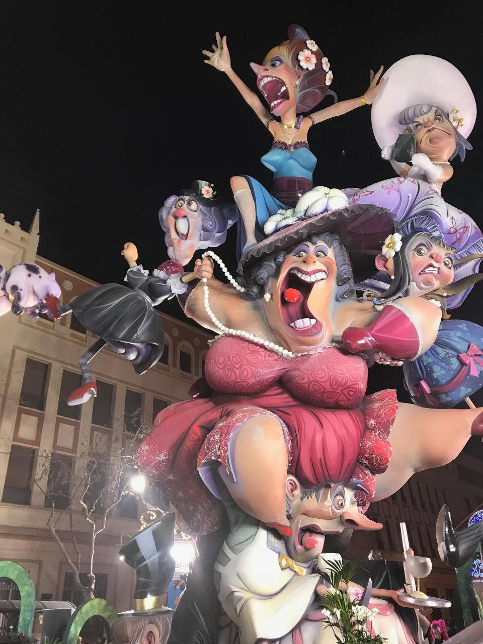 The Falla Malvarrosa has new artists falleros to the Fallas 2019